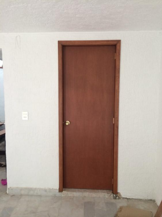 Instalaci n de puertas en guadalajara for Costo de puertas de madera para interiores